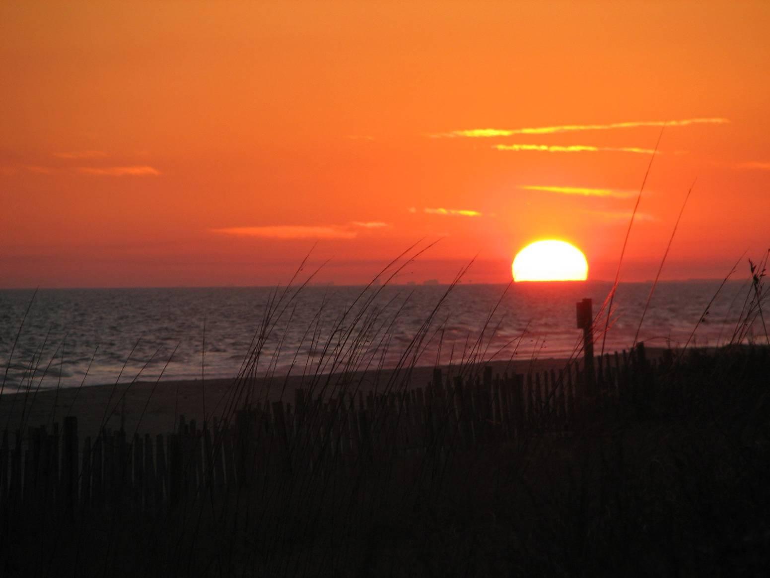 full hd coastal sunset image