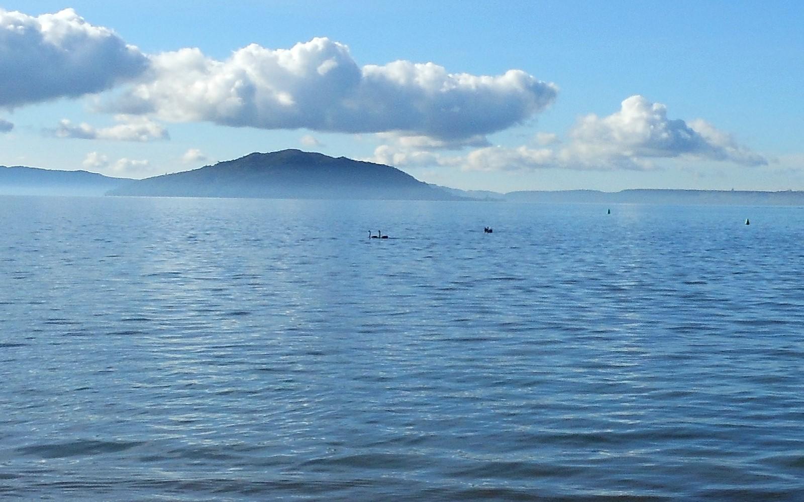 cloudy weather lake rotorua photos