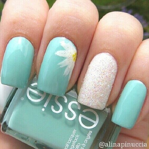 green simple nail designs image