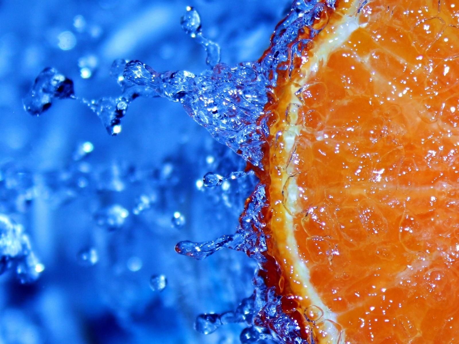 drop of water orange slice