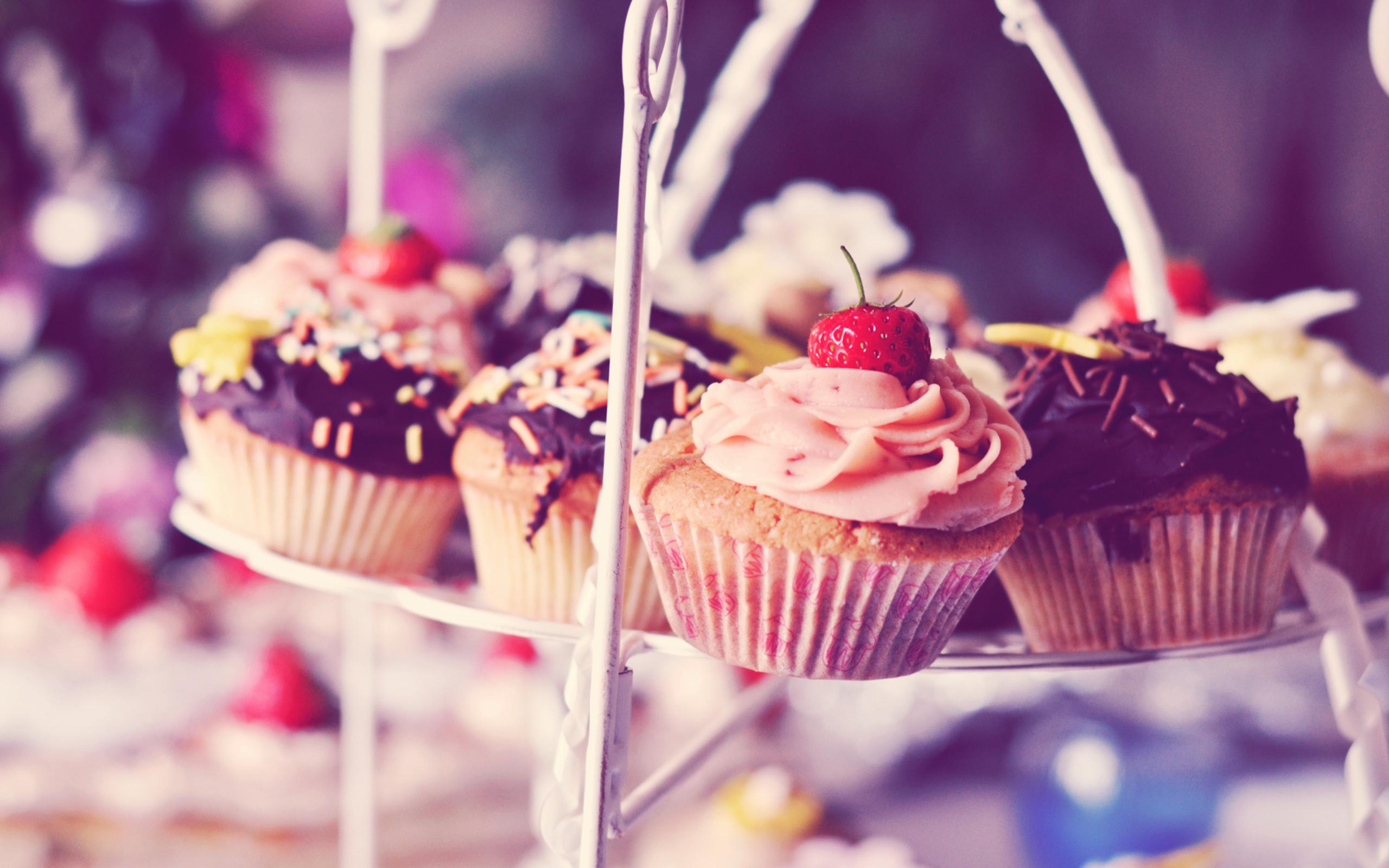 yummy cupcake image