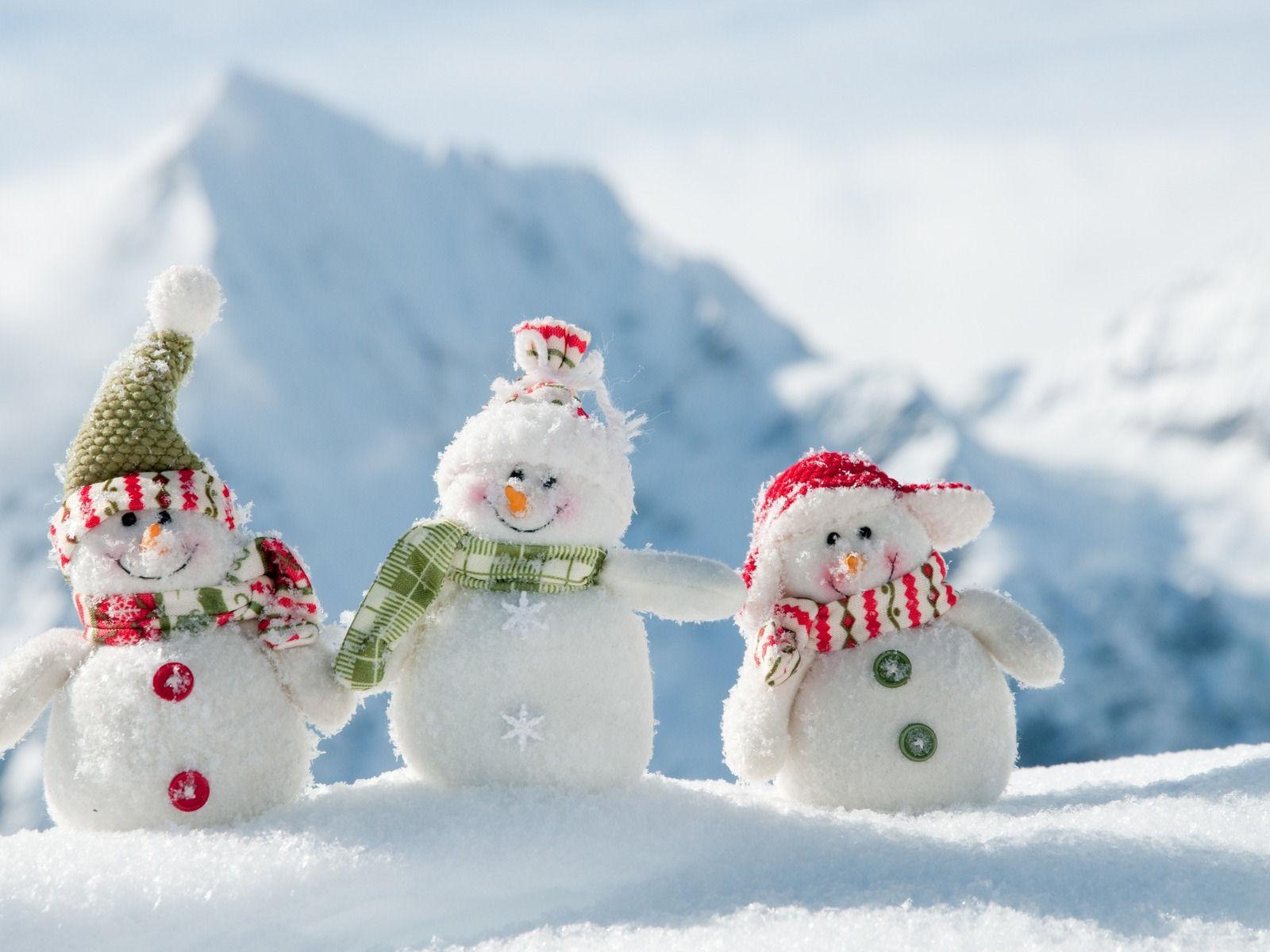 best colorful snowman image