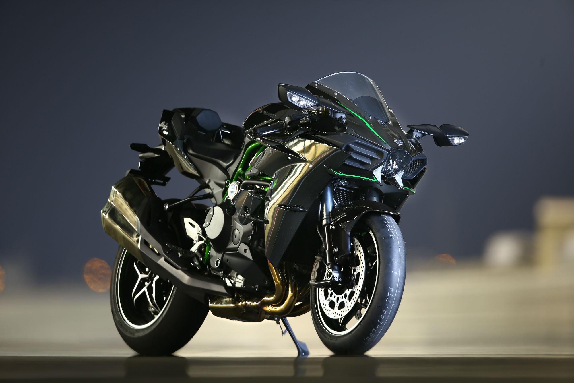 stunning Kawasaki Ninja H2 image