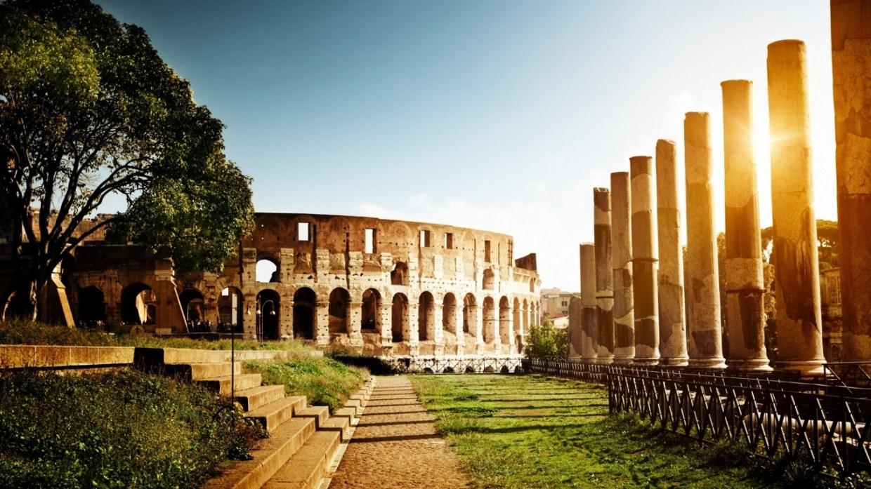 italy colosseum amphitheatre image