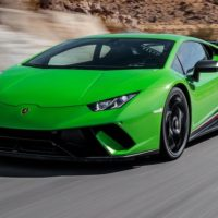 green Lamborghini Huracan 2018