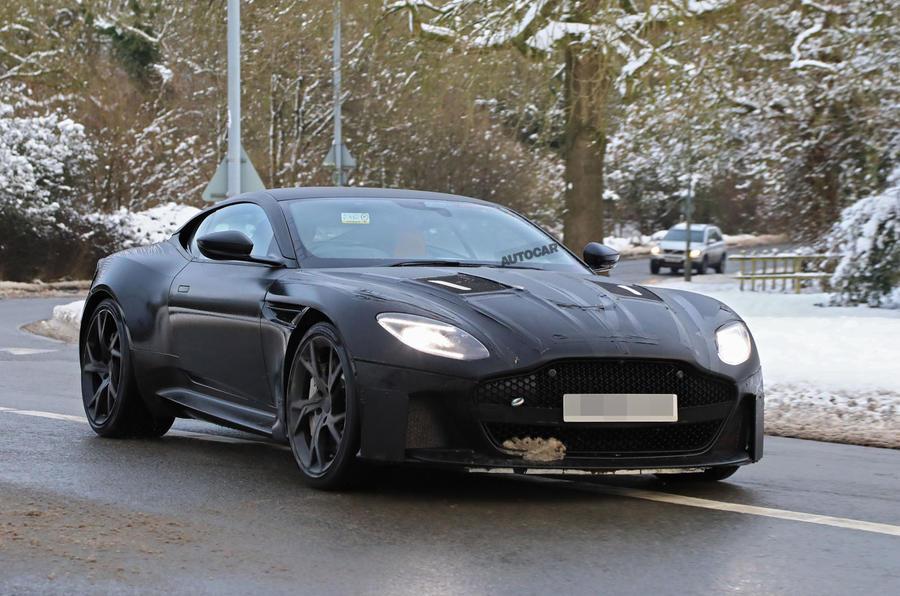 free Aston Martin DBS Superleggera