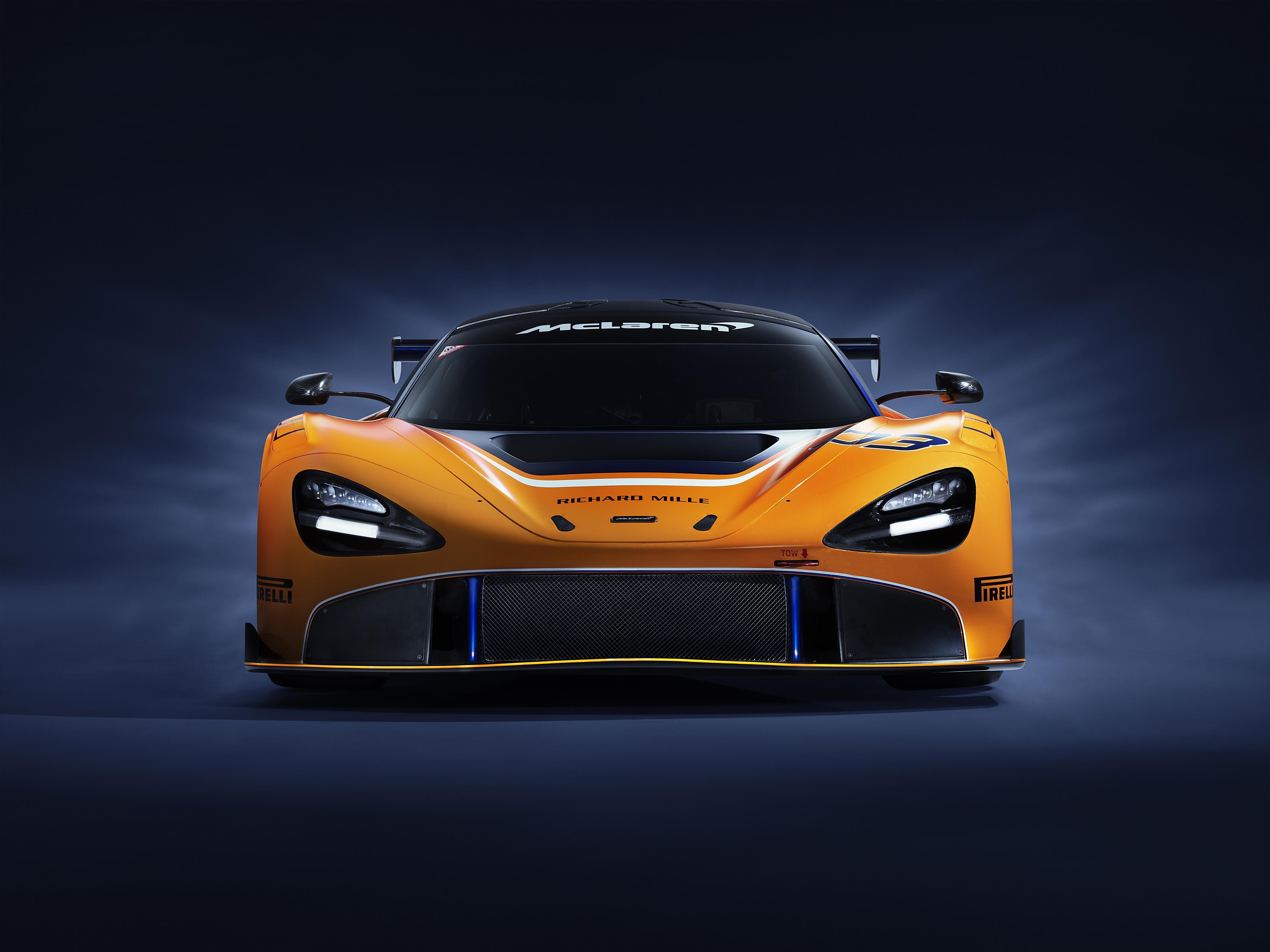 front side McLaren 720S GT3