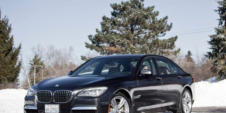 black car BMW 750Li xDrive