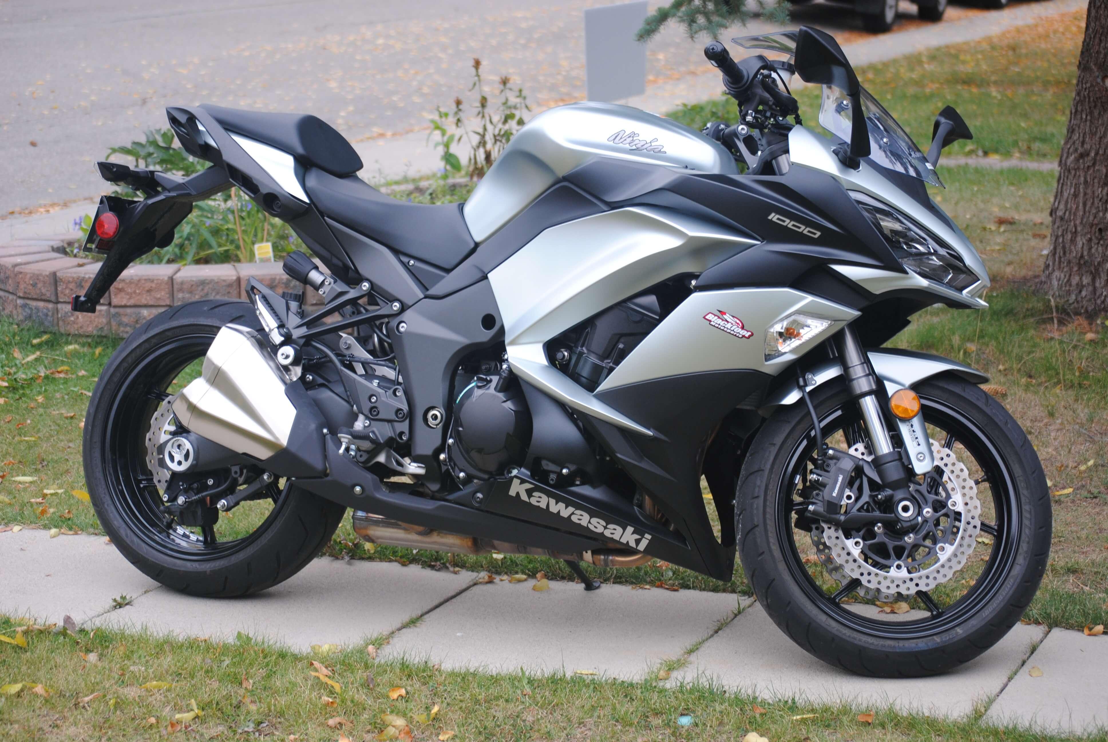 nice model Kawasaki Ninja 1000