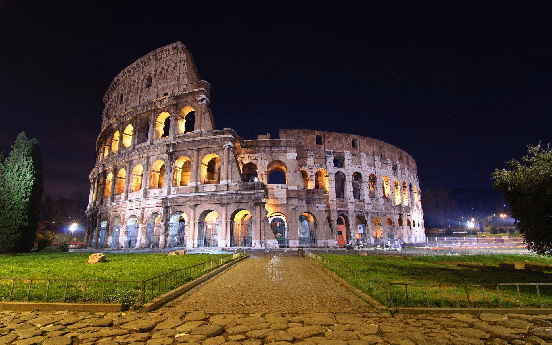 green grasss Colosseum Wallpaper