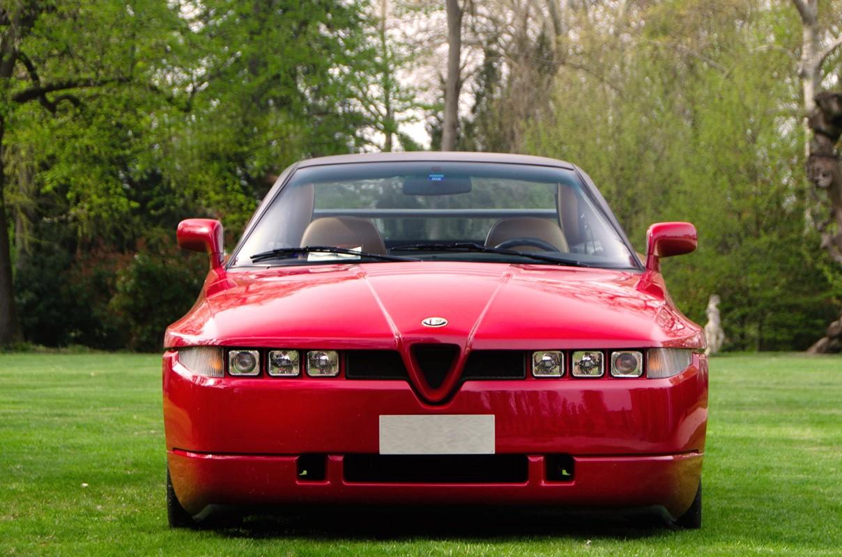 red car Alfa Romeo Zagato