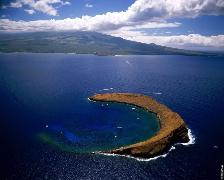 cool weather Molokini Island Wallpaper