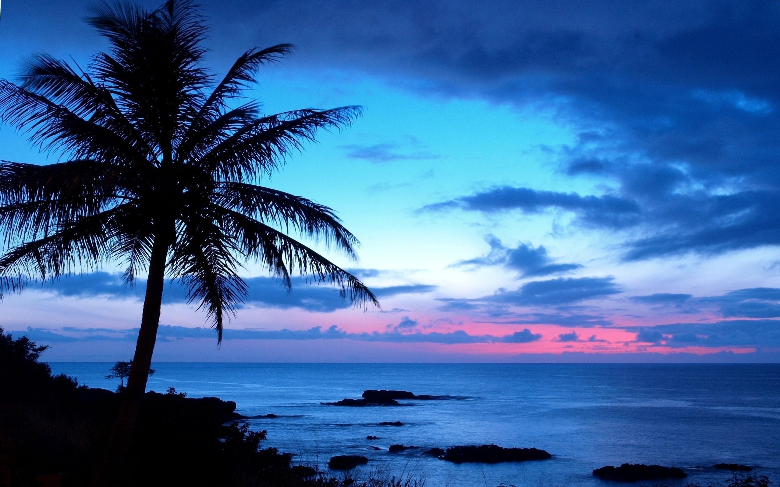 darkness clouds Hawaii Wallpaper