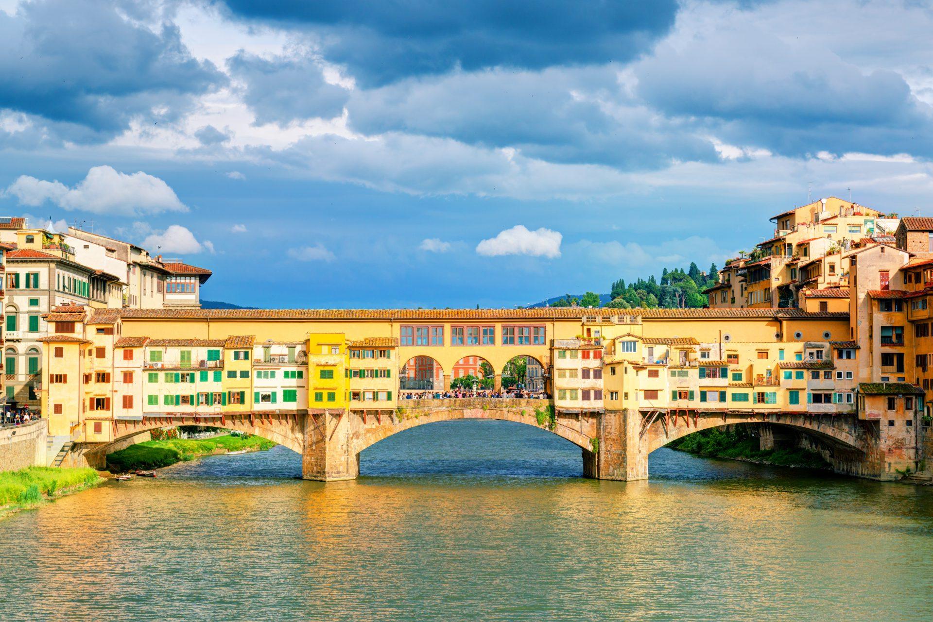 stunning Ponte Vecchio Arch Bridge