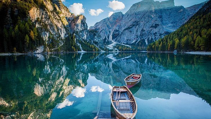 boat in sea Pragser Wildsee Wallpaper