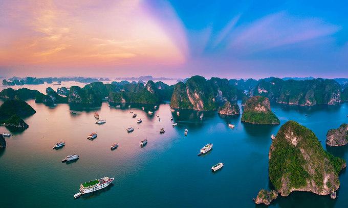 colorful sky Ha Long Bay Images