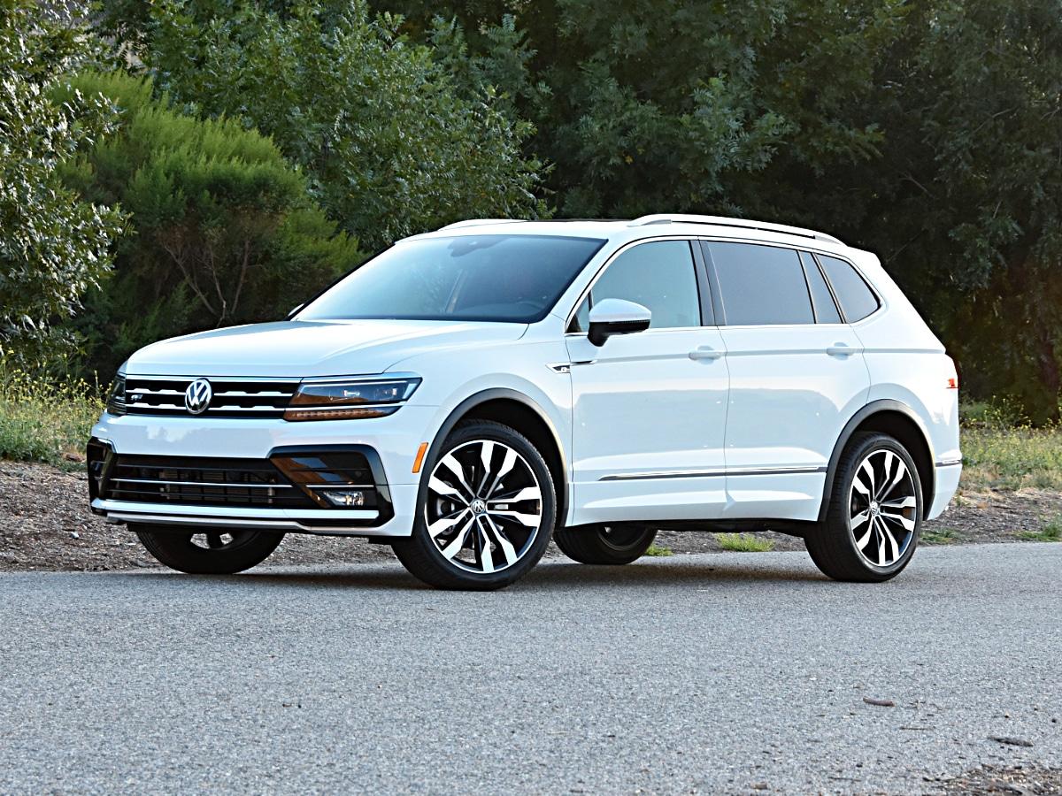 white car Volkswagen Tiguan image