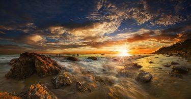 darkness clouds Malibu Wallpaper