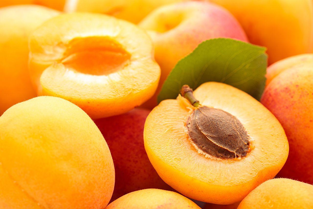 full top Apricot Wallpaper