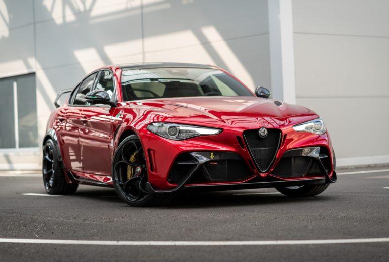 full top Alfa Romeo Giulia GTAm