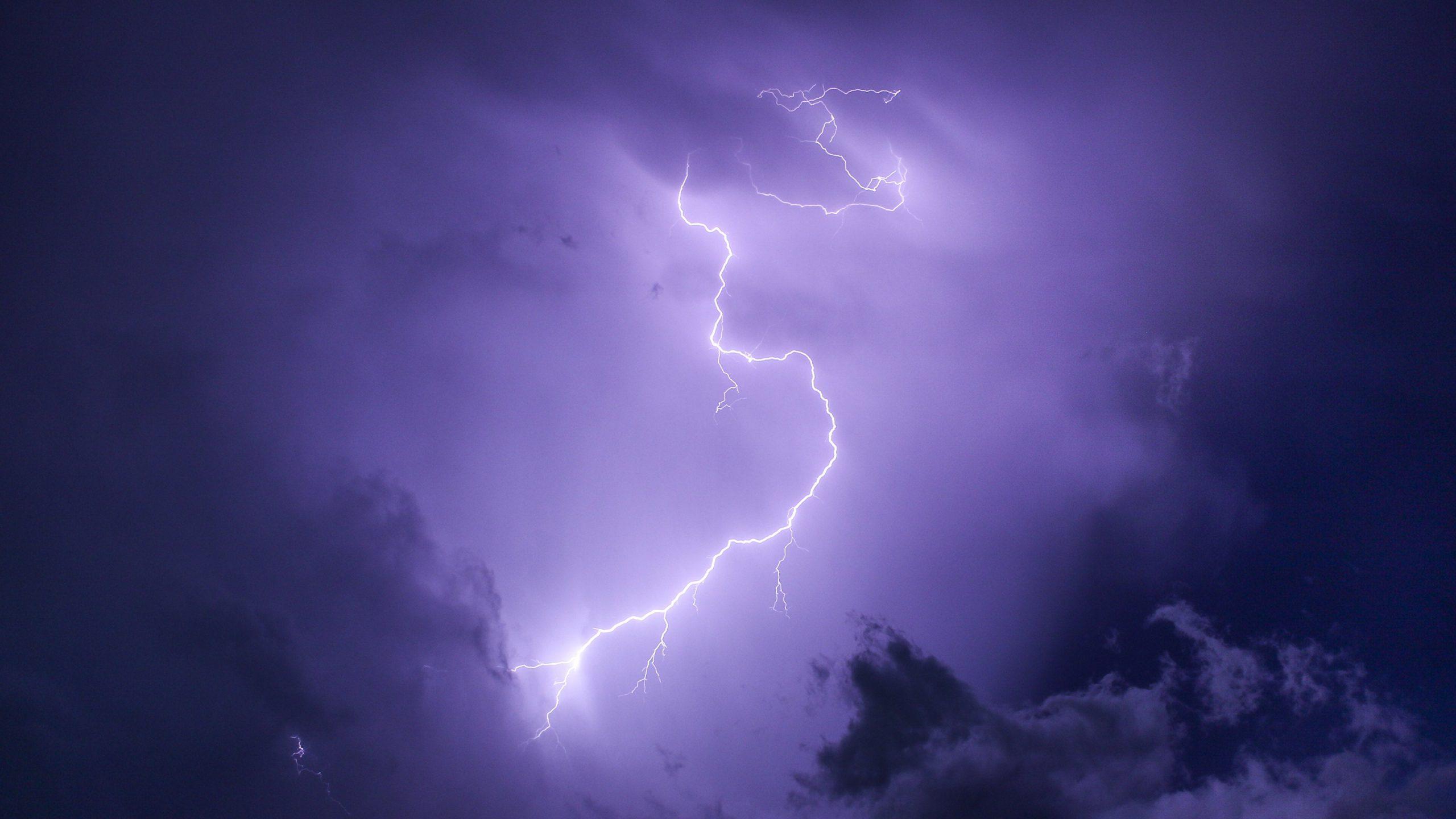 beautiful natural Lightning Wallpaper