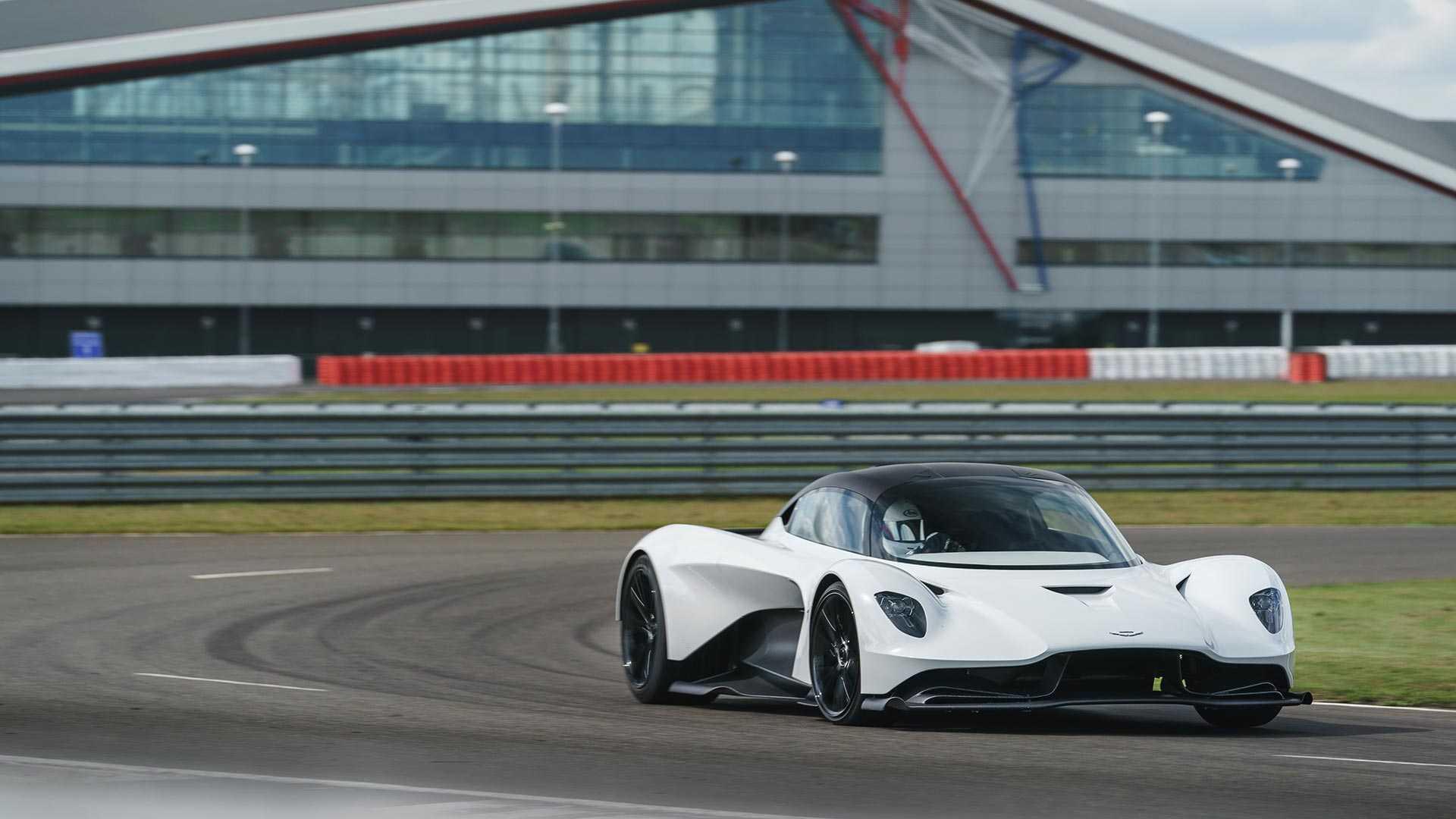 best Aston Martin Valhalla image